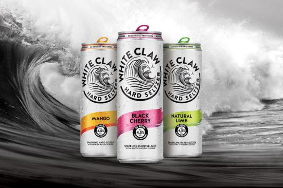 White Claw Hard Seltzer kommt ab Mitte Mai in den Sorten Black Cherry, Natural Lime und Mango in den deutschen Handel. (Foto: Drinks & More)